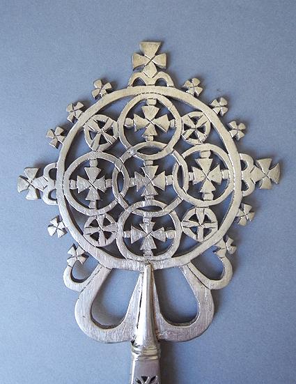 エチオピアの十字架_e0111789_11235960.jpg