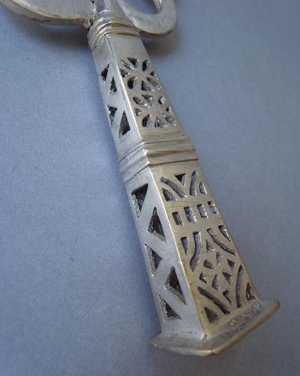 エチオピアの十字架_e0111789_11243097.jpg
