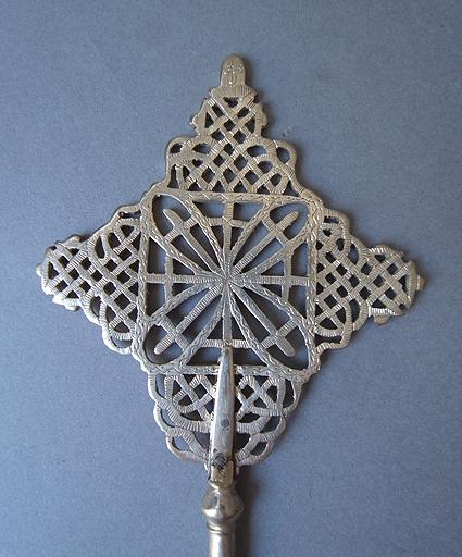 エチオピアの十字架_e0111789_1129065.jpg