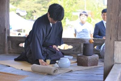 親友盟約五周年記念 江頭龍介 青松白瓷展 於韓国_a0279848_1214668.jpg