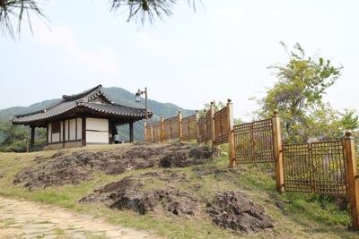 親友盟約五周年記念 江頭龍介 青松白瓷展 於韓国_a0279848_1215635.jpg
