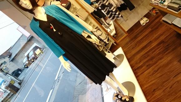 黒のワンピース☆_c0113499_17554272.jpg