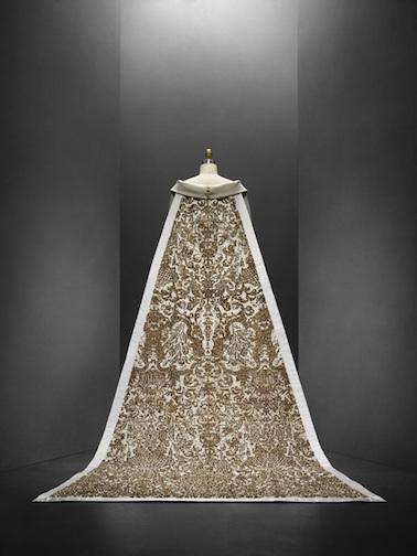必見!メトロポリタン美術館のファッション展覧会「Manus x Machina 」は見逃したら損するレベル!_c0050387_14515972.jpg