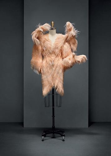 必見!メトロポリタン美術館のファッション展覧会「Manus x Machina 」は見逃したら損するレベル!_c0050387_1501765.jpg