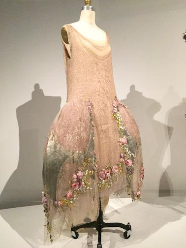 必見!メトロポリタン美術館のファッション展覧会「Manus x Machina 」は見逃したら損するレベル!_c0050387_15103934.jpg