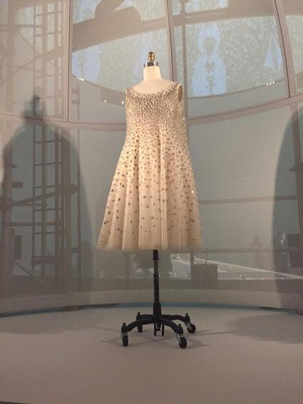 必見!メトロポリタン美術館のファッション展覧会「Manus x Machina 」は見逃したら損するレベル!_c0050387_15142742.jpg