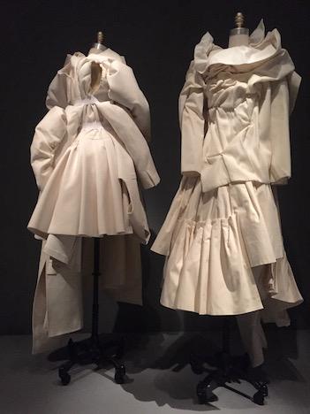 必見!メトロポリタン美術館のファッション展覧会「Manus x Machina 」は見逃したら損するレベル!_c0050387_15145784.jpg