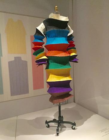 必見!メトロポリタン美術館のファッション展覧会「Manus x Machina 」は見逃したら損するレベル!_c0050387_1551358.jpg