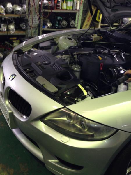 BMW Z4 オルタネーター修理_e0169210_19030193.jpg