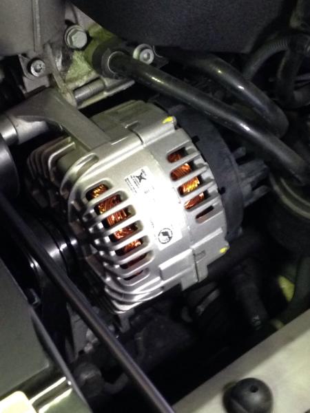 BMW Z4 オルタネーター修理_e0169210_19030240.jpg
