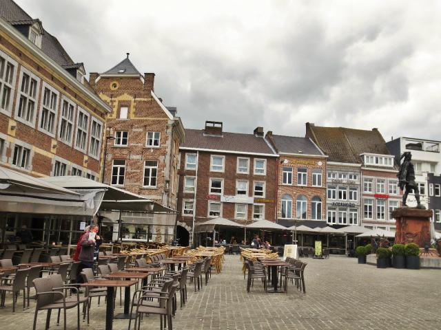 ブリュッセルへ20 近郊の町、Tongeren1_b0064411_06261852.jpg