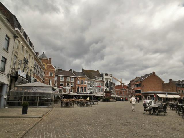 ブリュッセルへ20 近郊の町、Tongeren1_b0064411_06261875.jpg