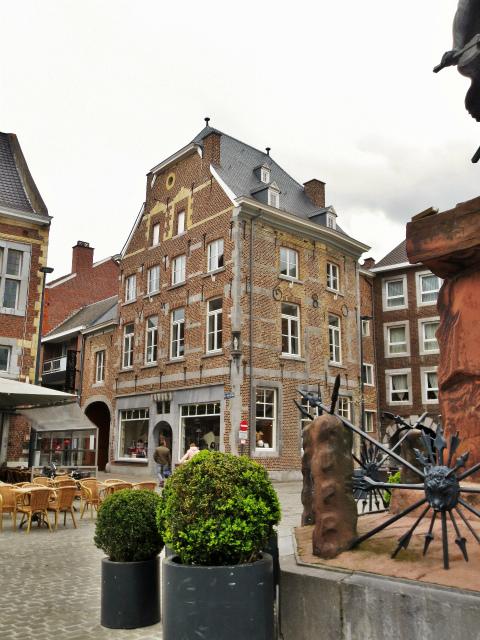 ブリュッセルへ20 近郊の町、Tongeren1_b0064411_06261980.jpg