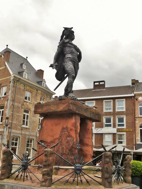ブリュッセルへ20 近郊の町、Tongeren1_b0064411_06261984.jpg