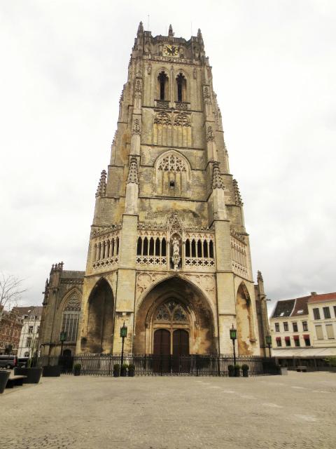 ブリュッセルへ20 近郊の町、Tongeren1_b0064411_06295487.jpg