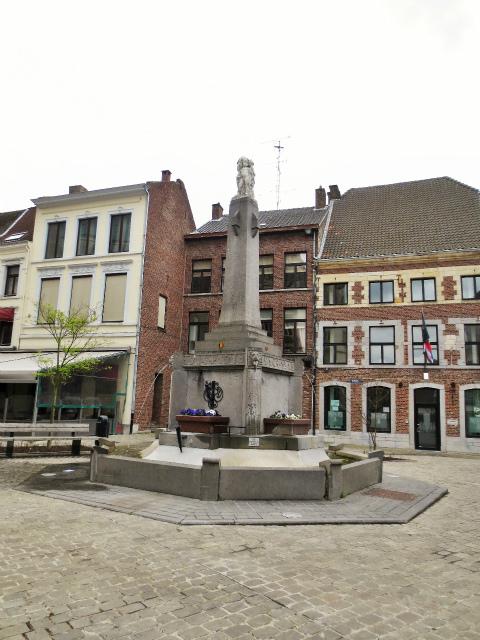 ブリュッセルへ20 近郊の町、Tongeren1_b0064411_06295505.jpg