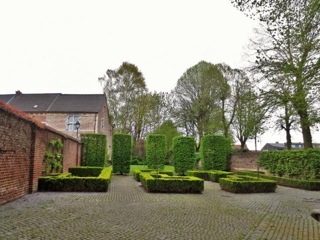 ブリュッセルへ22 近郊の町、Tongeren3_b0064411_07164714.jpg