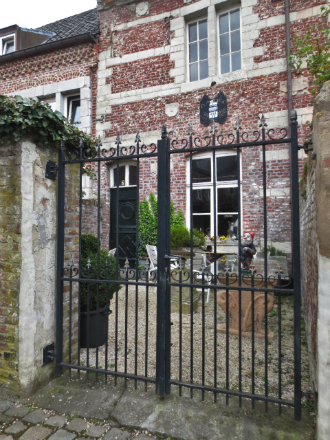 ブリュッセルへ22 近郊の町、Tongeren3_b0064411_07164880.jpg