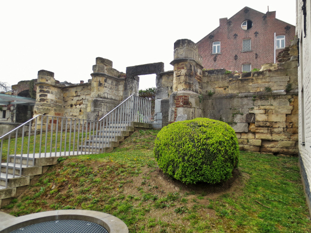 ブリュッセルへ22 近郊の町、Tongeren3_b0064411_07185327.jpg