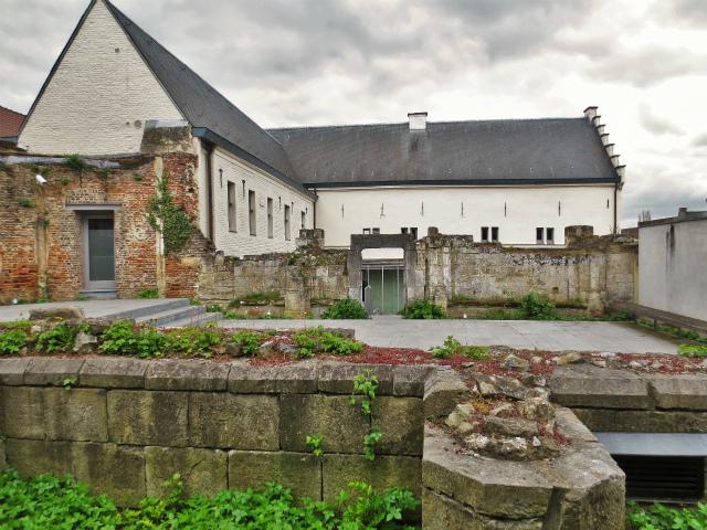ブリュッセルへ22 近郊の町、Tongeren3_b0064411_07211378.jpg