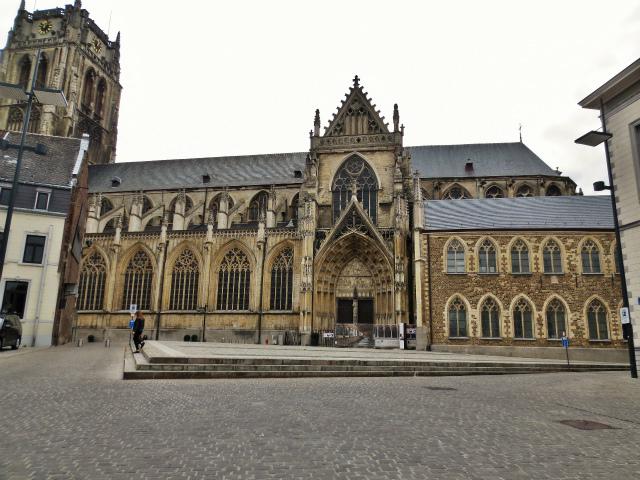 ブリュッセルへ22 近郊の町、Tongeren3_b0064411_07211398.jpg
