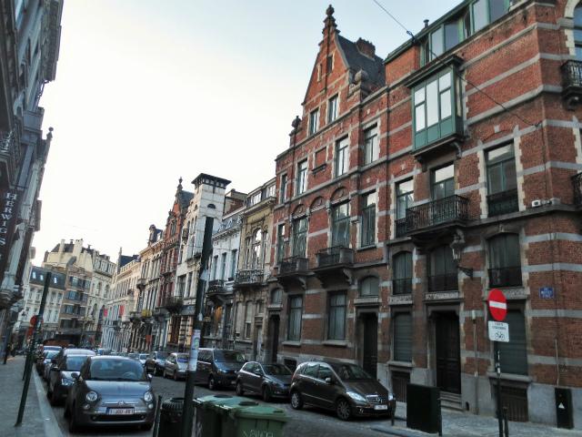 ブリュッセルへ23 不思議なカフェ・バー_b0064411_07291431.jpg