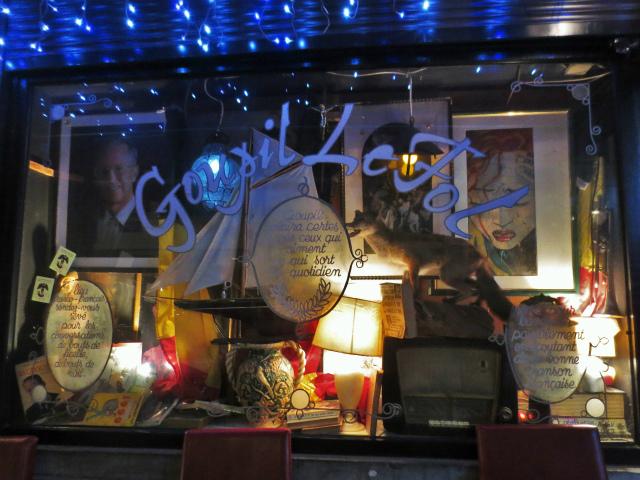 ブリュッセルへ23 不思議なカフェ・バー_b0064411_07381614.jpg