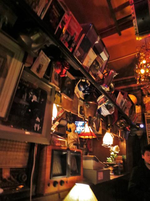 ブリュッセルへ23 不思議なカフェ・バー_b0064411_07392759.jpg