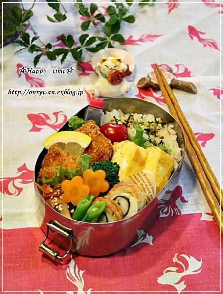 チキンカツ弁当とバラ☆ブラスバンド♪_f0348032_18252334.jpg