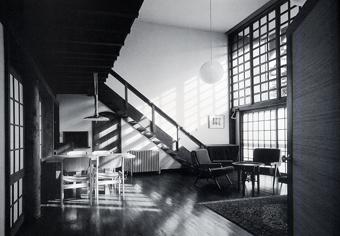 左右対称の建築・・板倉の家_c0195909_1245278.jpg
