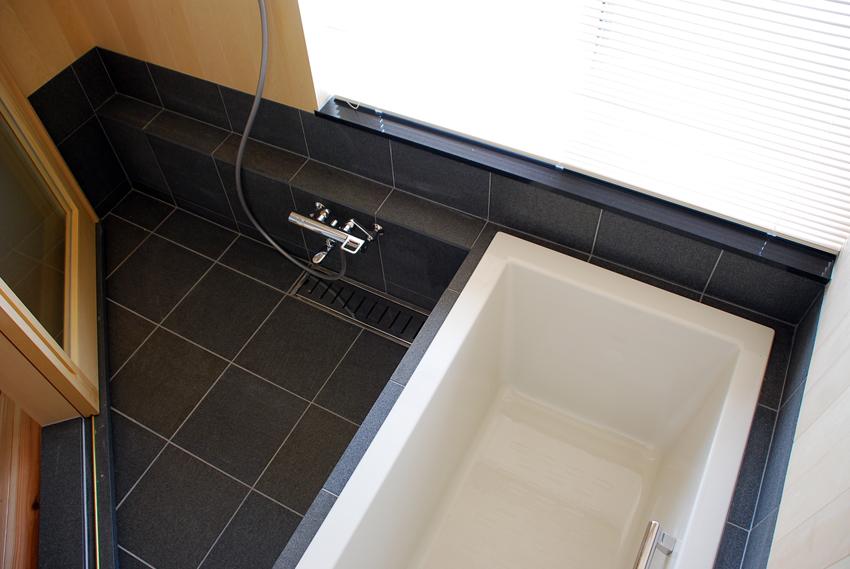 浴室/うちかど助産院/<海を望む>プロジェクト/児島_c0225122_14281911.jpg