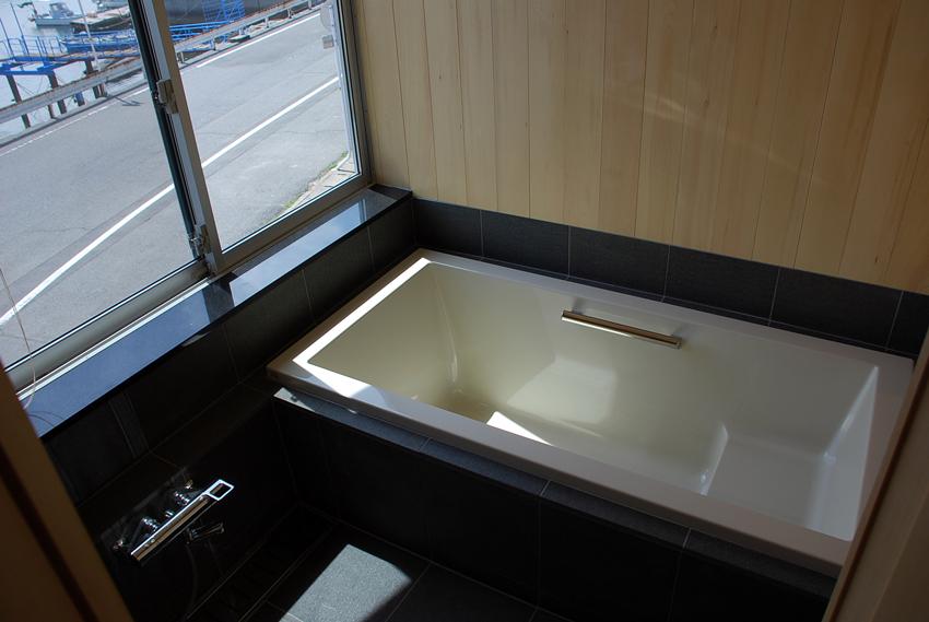 浴室/うちかど助産院/<海を望む>プロジェクト/児島_c0225122_14464262.jpg