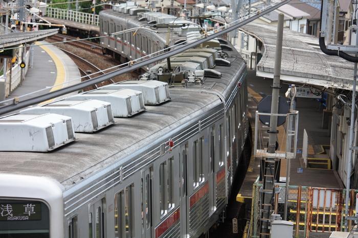 小さな駅と昭和の光景。。_a0214329_935961.jpg