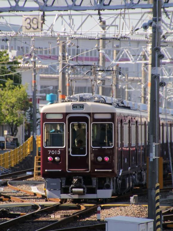 阪急7013F 試運転。_d0202264_2143515.jpg