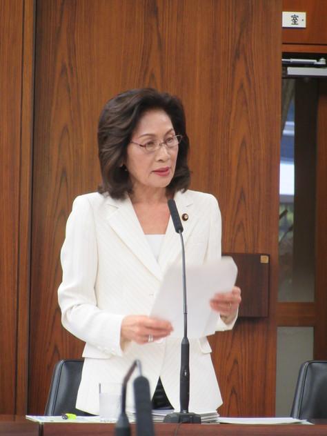 5/12 外交防衛委員会にて質問しました。_f0150886_14481785.jpg