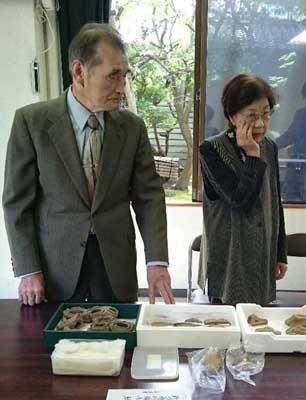 刻文付有孔石斧(中国名:刻文付石鉞)縄文時代中期寄贈さる_f0168873_21271783.jpg