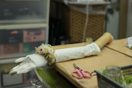 花冠と手首の花、リストブーケ 京都まで_a0042928_0102293.jpg