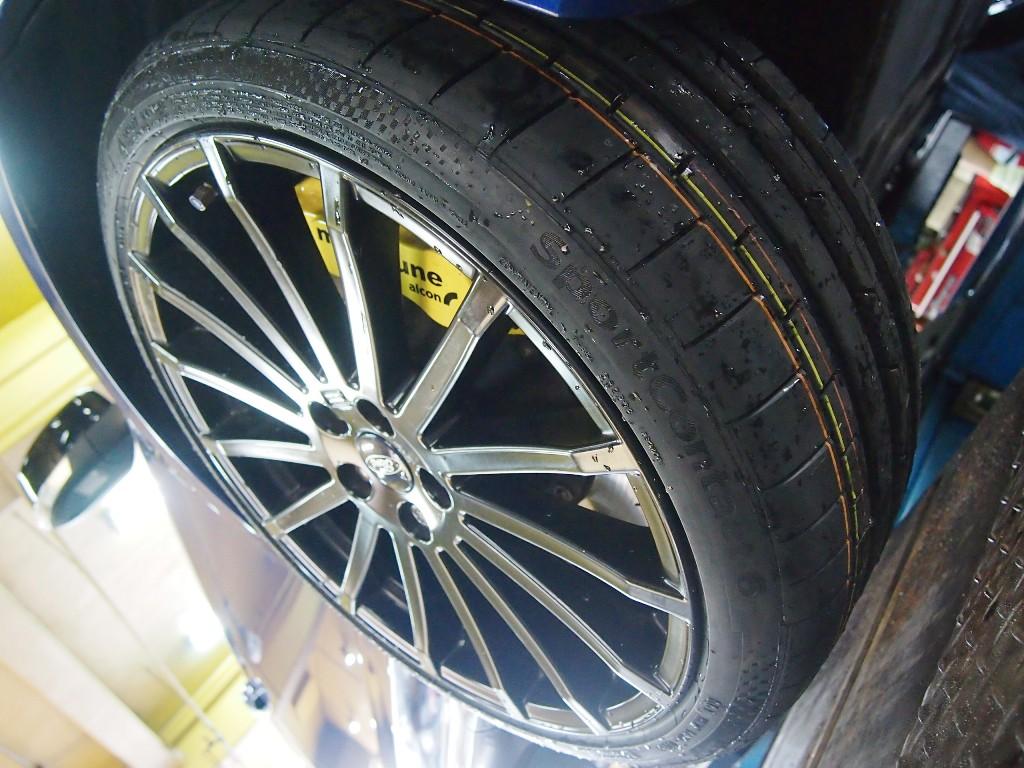 フォード・フォーカスRS、タイヤ交換&アライメント_e0188729_18204269.jpg