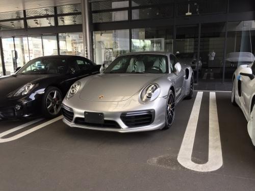 車買い替え・・・GT3RS, turbo S!と、パーツの海外通販。_b0071543_16280016.jpg