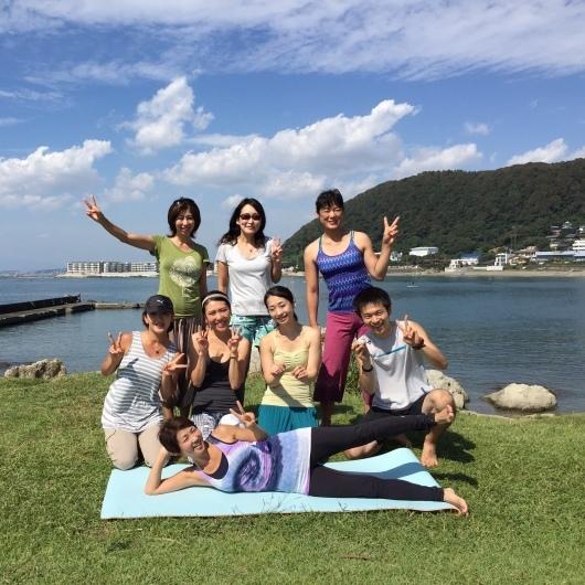 Beach mayu yoga@葉山一色 2016   5月〜7月の日程です_a0267845_09511285.jpeg
