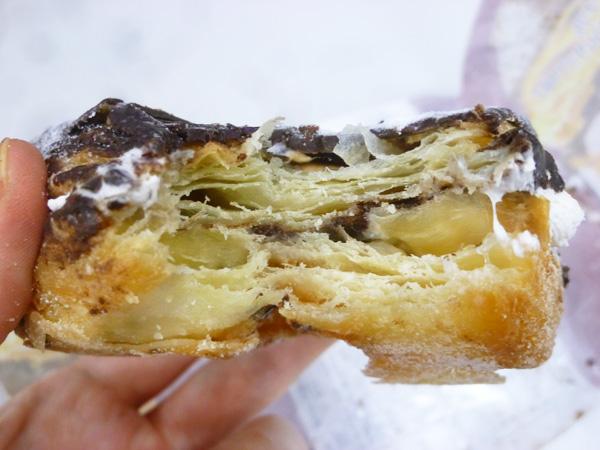 【菓子パン】ドーワッツ チョコ&ホイップ@ヤマザキ_c0152767_21374440.jpg