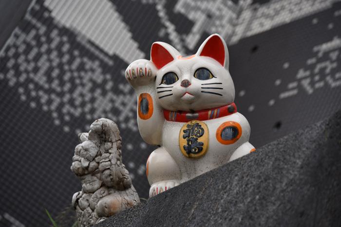 猫好き必見?!住宅街に現れる「張りぼて」巨大招き猫がおもろい!愛知・常滑のとこにゃん_e0171573_2053981.jpg