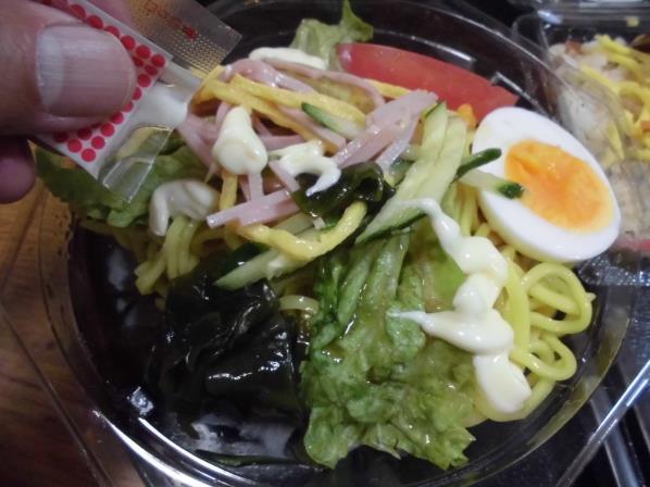 デイリーカナートのおばあちゃんのバラ寿司と冷やし中華_c0118393_15182582.jpg