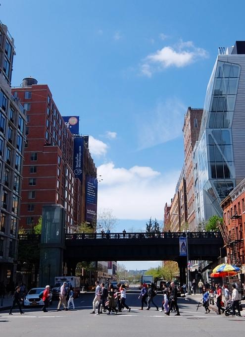 NYチェルシーのギャラリー街、ハイラインの影響で家族で楽しめる展示増えてるかも?_b0007805_23154394.jpg