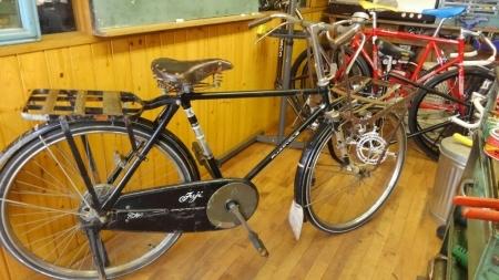 自転車 車椅子 古い自転車マツダ_a0216771_07181742.jpg