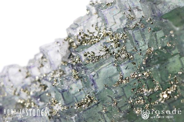 パイライトonフローライト原石(モロッコ産)_d0303974_18202298.jpg