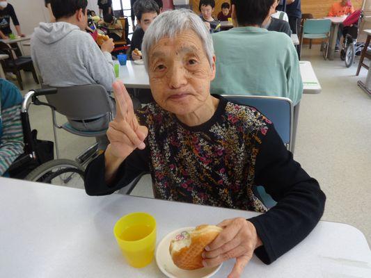 5/15 日曜喫茶_a0154110_1602324.jpg