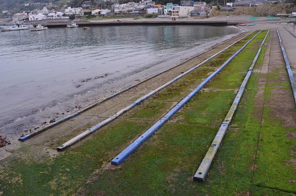 曇り空の漁港_d0065116_2013448.jpg