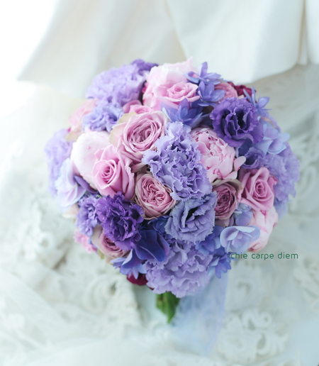 3シェアブーケ 紫の中の芍薬  横浜のソシア21様へ_a0042928_23294922.jpg