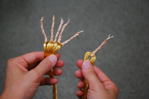 金銀糸の小束のほどきかた_d0176048_14503186.jpg